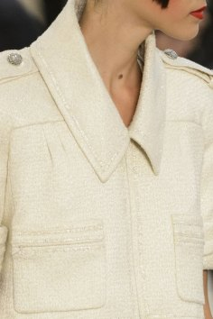 chanel-close-ups-fall-2015-couture-show-the-impression-111