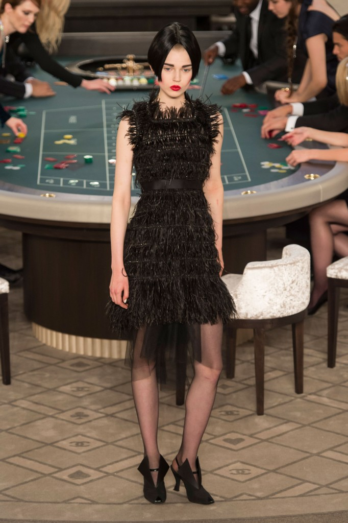 chanel-fall-2015-couture-show-the-impression-044