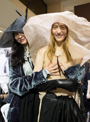 Ann Demeulemeester Fall 2017 Fashion Show Backstage