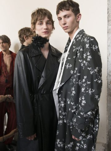 Ann Demeulemeester Spring 2018 Men's Fashion Show Backstage