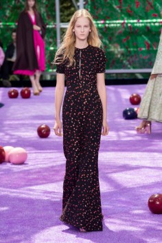dior-fall-2015-couture-the-impression-009-682x1024