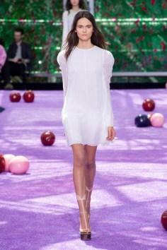 dior-fall-2015-couture-the-impression-011-682x1024