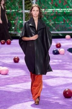 dior-fall-2015-couture-the-impression-019-682x1024