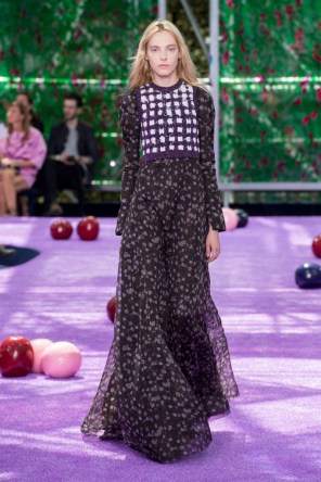 dior-fall-2015-couture-the-impression-021-682x1024
