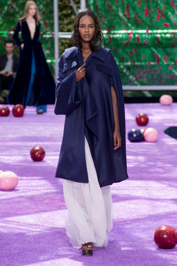 dior-fall-2015-couture-the-impression-034