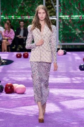 dior-fall-2015-couture-the-impression-043-682x1024