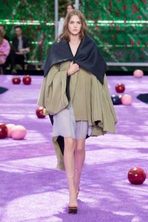 dior-fall-2015-couture-the-impression-051-682x1024