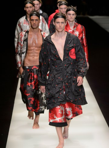 Emporio Armani Spring 2018 Men's Fashion Show