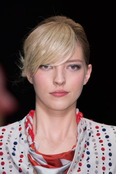 giorgio-armani-spring-2016-runway-beauty-fashion-show-the-impression-51