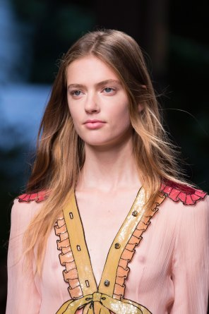 gucci-beauty-spring-2016-fashion-show-the-impression-020