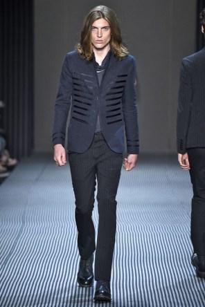 john-varvatos-spring-2016-fashion-show-the-impression-022-682x1024