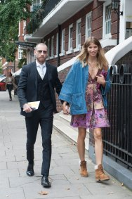 london-fashion-week-day-4-street-style-spring-2016-fashion-show-the-impression-028