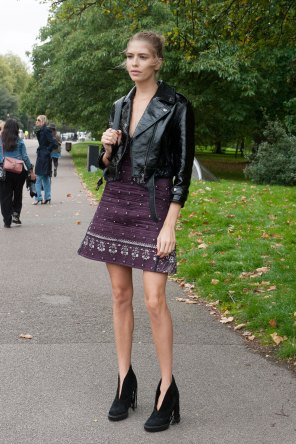 london-fashion-week-day-4-street-style-spring-2016-fashion-show-the-impression-060