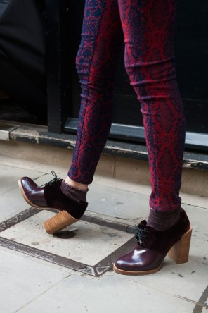 london-fashion-week-street-style-day-2-spring-2016-fashion-show-the-impression-034