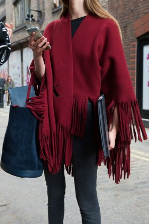 london-fashion-week-street-style-day-2-spring-2016-fashion-show-the-impression-037