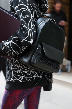 london-fashion-week-street-style-day-2-spring-2016-fashion-show-the-impression-038