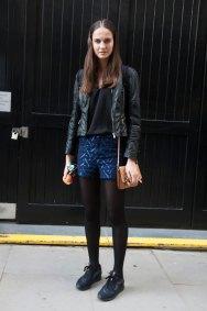 london-fashion-week-street-style-day-2-spring-2016-fashion-show-the-impression-039