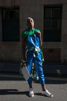 london-fashion-week-street-style-day-2-spring-2016-fashion-show-the-impression-054