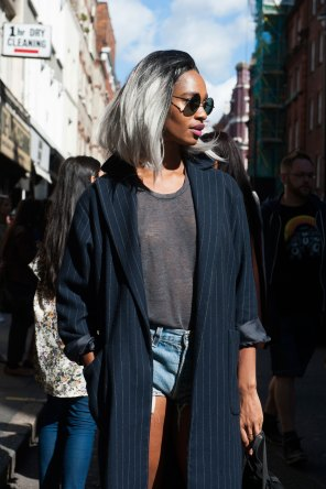 london-fashion-week-street-style-day-2-spring-2016-fashion-show-the-impression-085