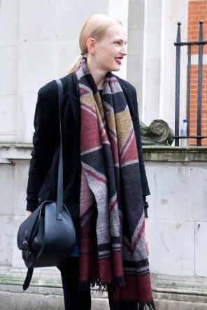 london-fashion-week-street-style-day-5-spring-2016-fashion-show-the-impression-005