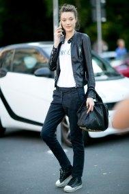 milan-fashion-week-street-style-day-3-september-2015-the-impression-020