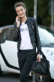 milan-fashion-week-street-style-day-3-september-2015-the-impression-021