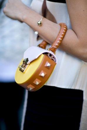 milan-fashion-week-street-style-day-3-september-2015-the-impression-048