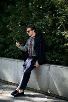 milan-fashion-week-street-style-day-3-september-2015-the-impression-053