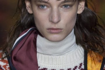 Moncler Gamme Rouge Fall 2017 Fashion Show Beauty