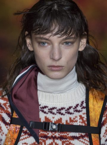 Moncler Gamme Rouge Fall 2017 Fashion Show Beauty