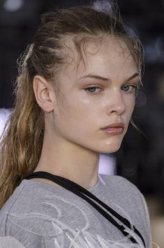 Moncler Gamme Rouge Spring 2018 Fashion Show Beauty