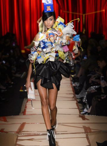 Moschino Fall 2017 Fashion Show