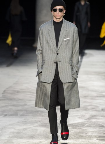 Neil Barrett Fall 2017 Menswear Fashion Show