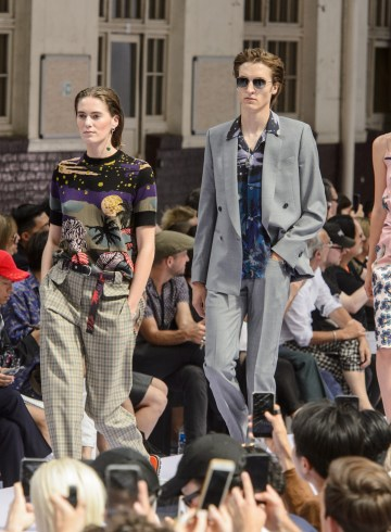 Paul Smith Spring 2018 Men's Fashion Show