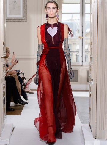 Schiaparelli Fall 2017 Couture Fashion Show