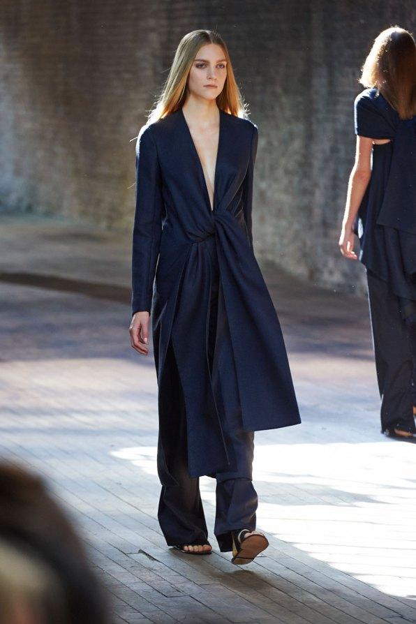 the-row-fashion-show-spring-2015-the-impression-013