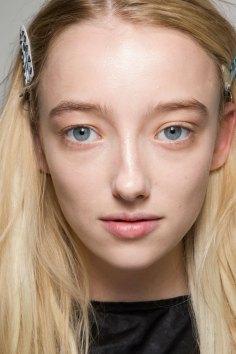 thomas-tait-spring-2016-beauty-fashion-show-the-impression-25