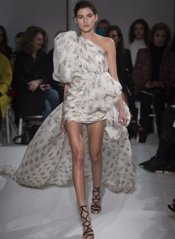 Giambattista Valli Spring 2017 Couture Fashion Show
