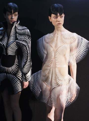 Iris Van Herpen Spring 2017 Couture Fashion Show Backstage