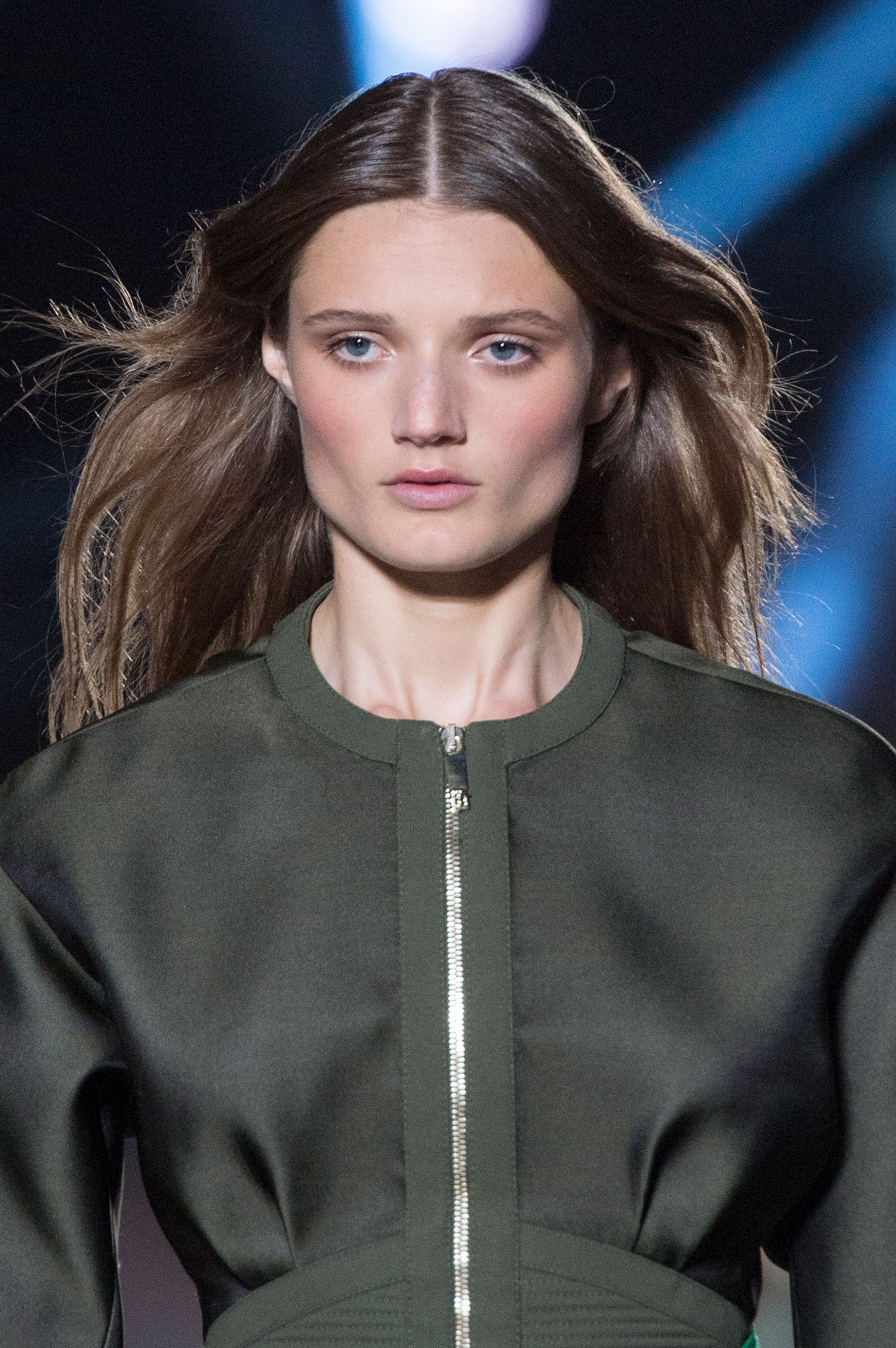 versace-runway-beauty-spring-2016-fashion-show-the-impression-002