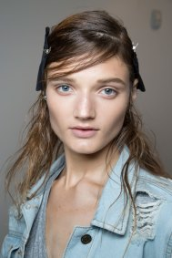 wes-gordon-backstage-beauty-spring-2016-fashion-show-the-impression-03