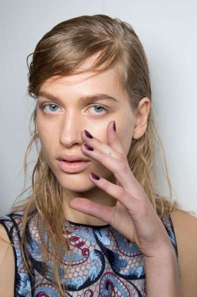 wes-gordon-backstage-beauty-spring-2016-fashion-show-the-impression-29