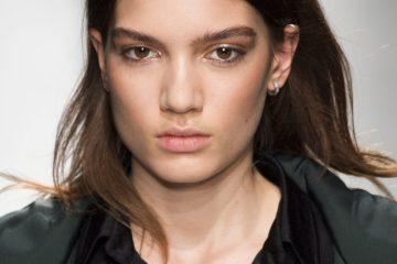 Valentin Yudashkin Fall 2017 Fashion Show Beauty
