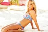 A high resolution picture of Geri Halliwell in bikini