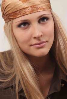 noemi letizia bandana
