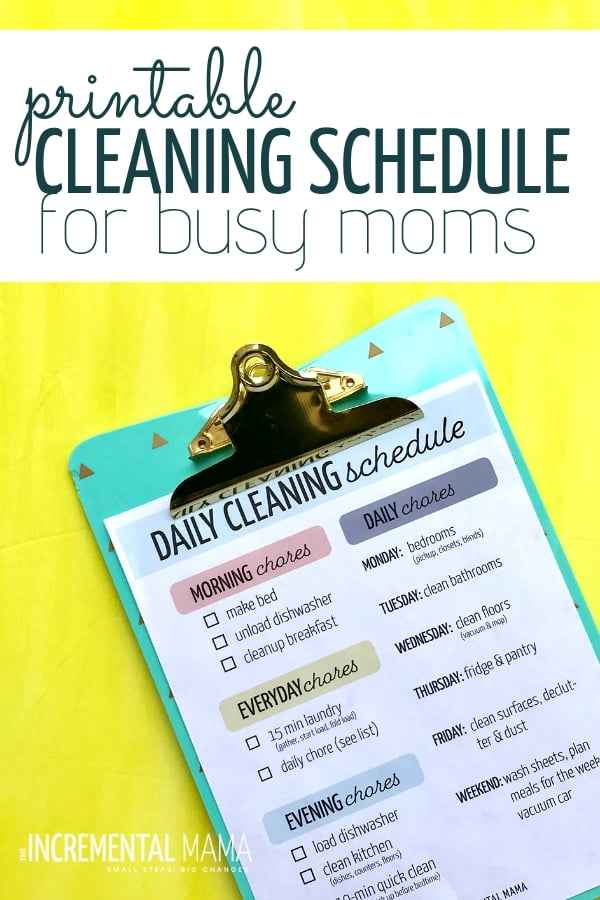 This printable cleaning schedule for working moms will give you a checklist for what you need to clean daily, weekly to keep your home clean so you can enjoy your kids! #cleaningscheduleforworkingmom #printableecleaningschedule #freeprintable #dailyweeklycleaningschedule