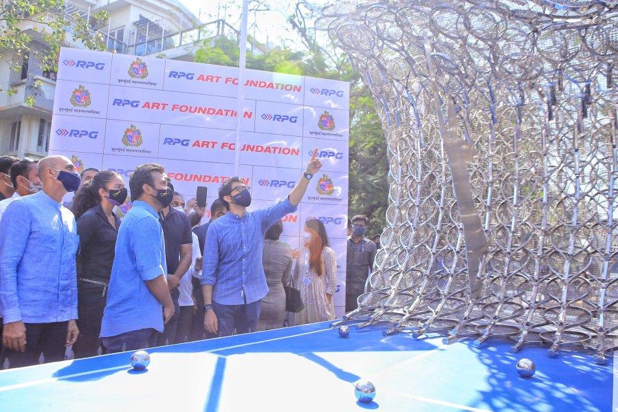 Aaditya Thackeray Leander Sculpture