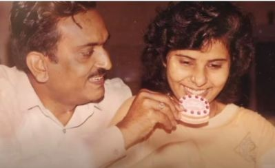 an old photo of gunjan saxena with her father