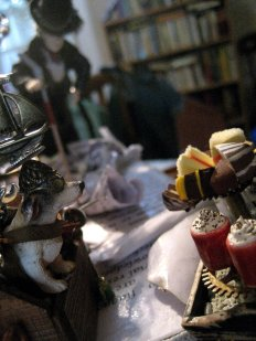 theinfill on a steampunk theme - dressing 1:12 scale figure - moving the dog-