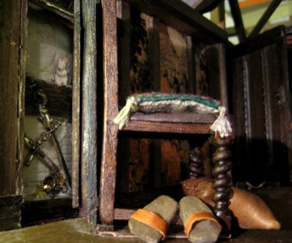 theinfill Medieval, Tudor, Jacobean 1:12 dolls house blog - the infill dolls house blog – hinged mechanism of panel in Red Bed room